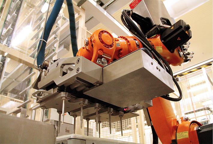 Robot dans l'atelier Confiserie Rohan